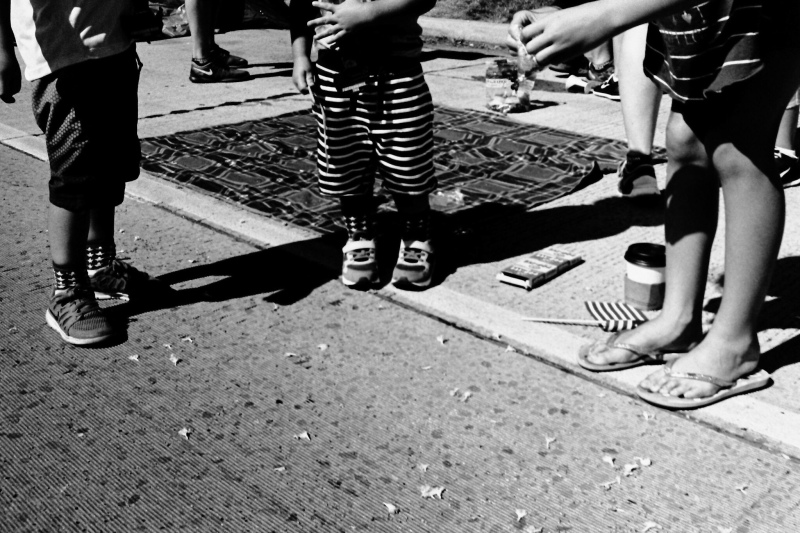 kids chatting leica m6 film chris wessells street photographer